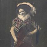 """La bobinette"" παλιά ασπρόμαυρη επιχρωματισμένη φωτογραφία"