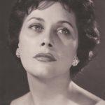 ΚΥΒΕΛΗ ΘΕΟΧΑΡΗ – ΖΩΓΡΑΦΙΔΗ (1924 – 2017) Φωτογραφία Δ. Χαρισιάδη